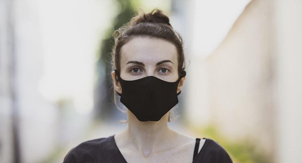 Menggunakan Masker Saat Berolahraga Ternyata Berbahaya